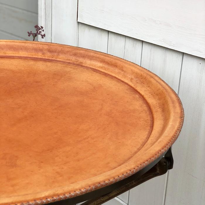 Leather ラウンドフォールディングテーブルM/ナチュラルブラウン02
