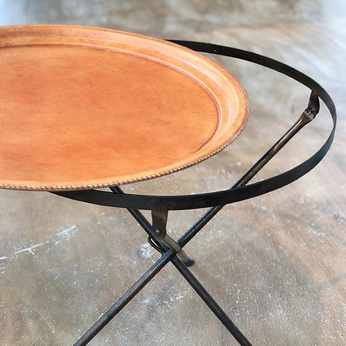 Leather ラウンドフォールディングテーブルM/ナチュラルブラウン05