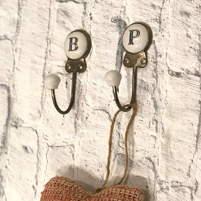 アルファベットフック/P03
