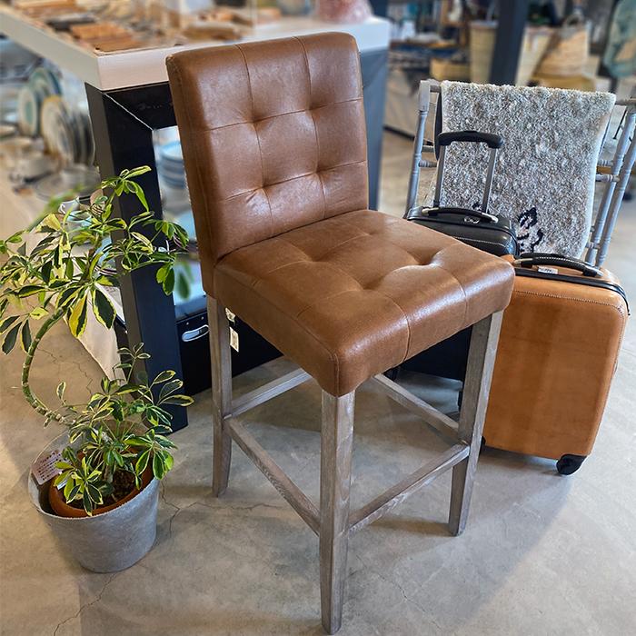 椅子 茶 革張り